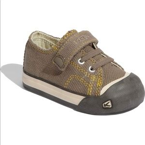 Keen Toddler 7 Coronado Velcro/Elastic Lace Shoe